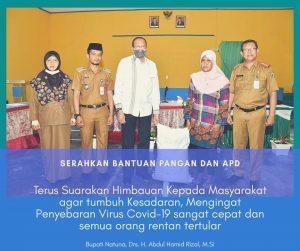 Read more about the article Bupati Natuna Serahkan Bantuan Pangan dan APD kepada Masyarakat dan Puskesmas