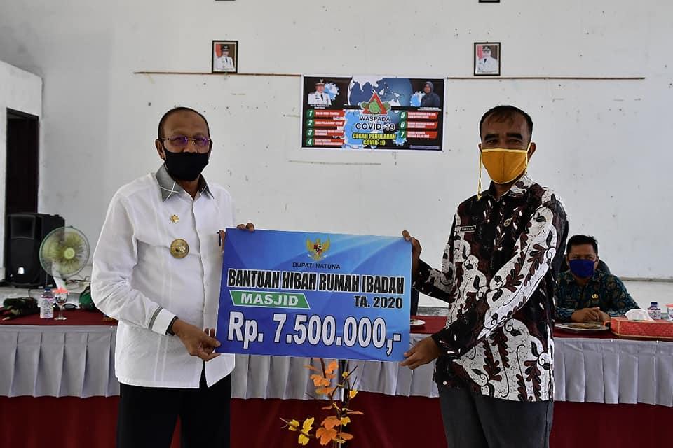 You are currently viewing Cegah Covid-19, Bupati Natuna Kunjungi Bunguran Utara