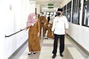 Read more about the article Hamid Rizal Tinjau Kesiapan RSUD Natuna Tangani Covid-19