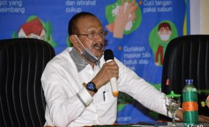 Read more about the article Satgas Covid 19 Serahkan Bantuan Pangan Dan Alat Medis Di Bunguran Tengah