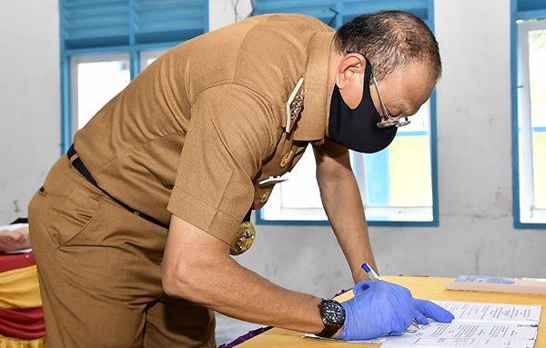 You are currently viewing Bupati Natuna dan Polres Natuna Tandatangani NPHD dukungan Operasional Penanganan Covid-19.