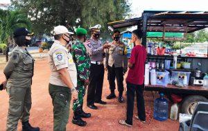 Patroli Gabungan TNI-Polri dan Satpol PP Sosialisasikan Perbub Natuna Nomor 51 Tahun 2020