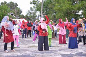 PMI Natuna Gelar Senam bersama dan Cek Kesehatan di Kecamatan Bunguran Selatan