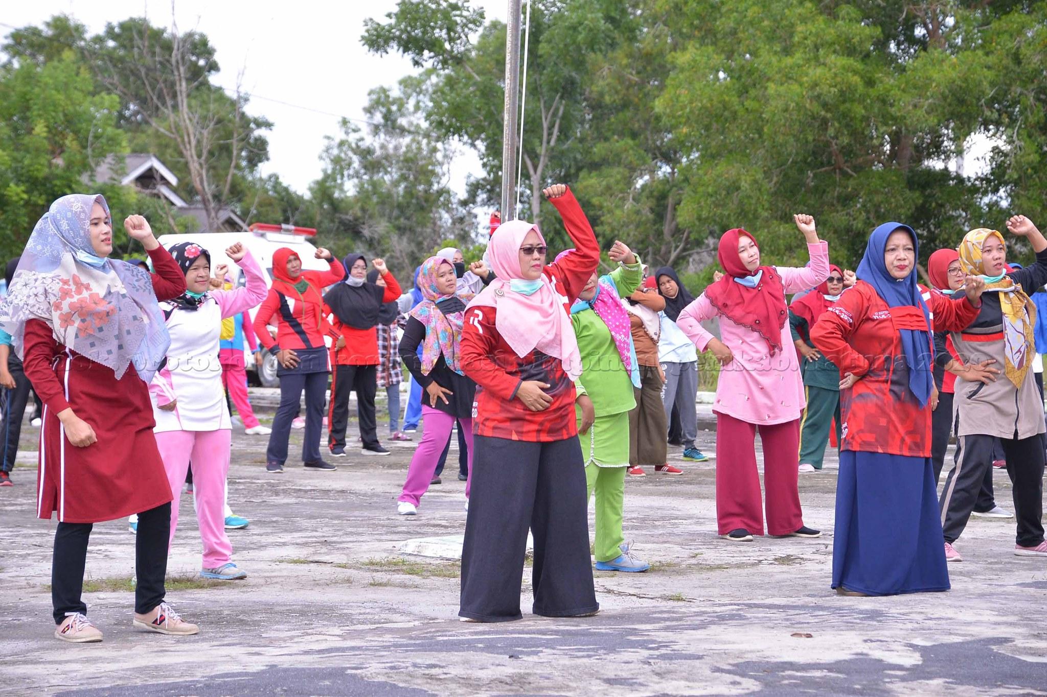 You are currently viewing PMI Natuna Gelar Senam bersama dan Cek Kesehatan di Kecamatan Bunguran Selatan