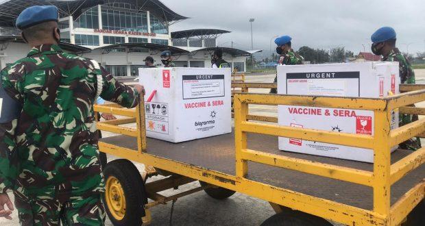 You are currently viewing 2.200 Vaksin Tiba di Natuna, TNI POLRI Kawal Ketat