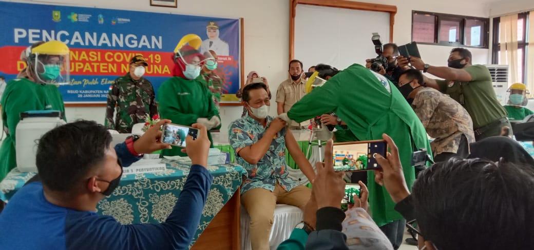 You are currently viewing Eri Marka, Orang Pertama Disuntik Vaksin Covid-19 di Natuna